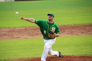 Christian Klarer als Pitcher der Sissach Frogs